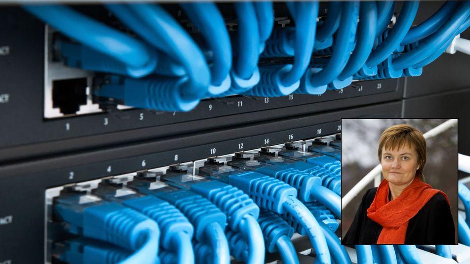 """Fornyingsminister Rigmor Aasrud velger å dysse ned """"den gode"""" nyheten om at kun 2 000 nordmenn er uten bredbånd."""