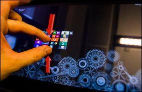 Klyp fingrene sammen for å se <em>hele</em> startskjermen, og alle applikasjonene du har lagt der.