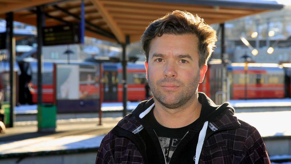 Ulf Jahr pendler daglig fra Hamar til Lillestrøm, og er oppgitt over den elendige mobildekningen på strekningen.