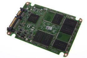 Intel 330 Series: Innmat fra SandForce og Intel.