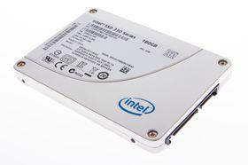 Intel 330 Series SSD 180 GB utenpå.