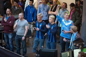 Sandnes Ulf jubler etter endt finale. (Foto: Thomas Hildrum/Gamer's Paradise).