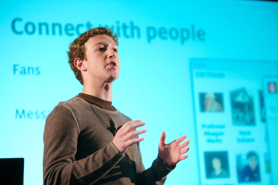 LA OM: Det er litt over et år siden Mark Zuckerberg endret Facebook-designet og la om til tidslinjen. Nå skal endringer være på gang igjen.