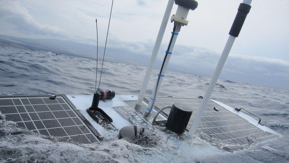 En sjøfarende robot ved navn Mercury kom seg helskinnet gjennom den ødeleggende orkanen Sandy. Her er en av slektningene, Fontaine Maru, på vei mot Hawaii.
