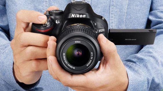 Nikon D5200 i trygge hender.