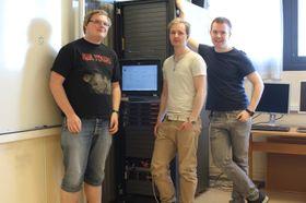 Disse gutta lagde en OpenStack-skyløsning sm bachelor-oppgave. Fra venstreLars Erik Pedersen, Jon Arne Westgaard og Hallvard Westman .