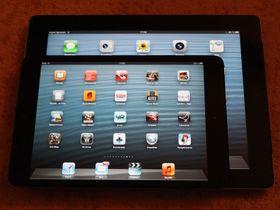 iPad mini på toppen av en iPad (3. generasjon).