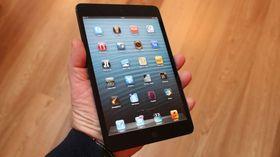 iPad mini er det største nettbrettet vi får plass til i en hånd. Men har du større eller mindre hender, passer den kanskje ikke for deg.