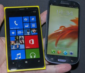 Når Lumia 920 kommer på markedet vil Samsung Galaxy S III være en av dens argeste konkurrenter.