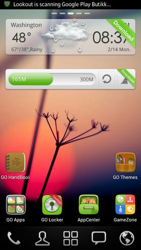Slik ser skrivebordet i launcheren GO Launcher ut.