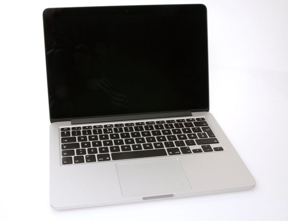 Nyåpnet MacBook Pro.