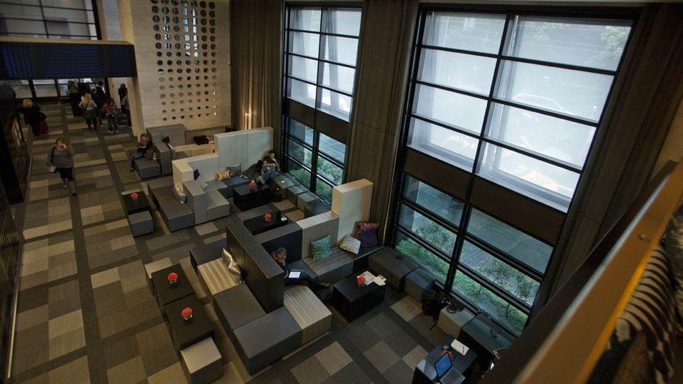 Lobbyen i W-hotellet i San Francisco har smarte vinduer som tilpasser seg lysforholdene.