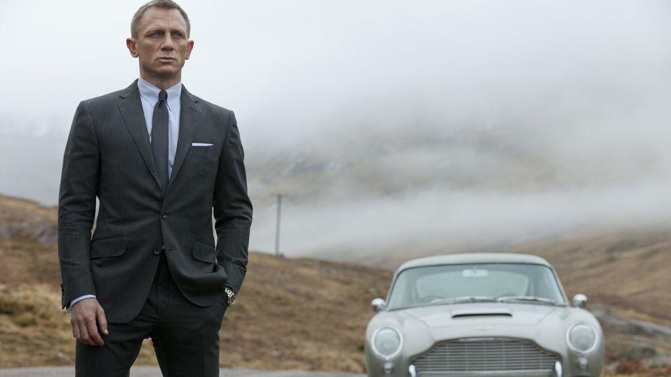 I filmen Skyfall bruker James Bond, her i Daniel Craigs skikkelse, en Aston Martin DB5 1960-modell.