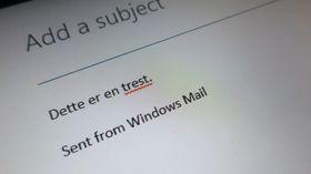 Korrekturfunksjonen virker ikke i Word, men den virker når du skal skrive e-post.