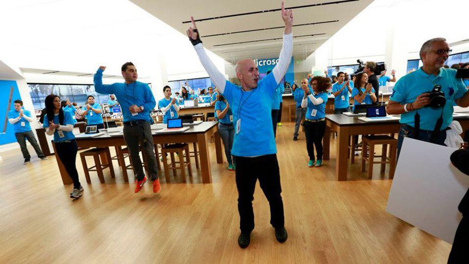 Microsoft skal nå være på vei til Europa med egne butikker. Dette er fra åpningen av den første Microsoft-butikken utenfor kontinentale Nord-Amerika, i Puerto Rico den 1. november i år.
