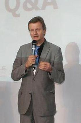 Telenor må finne seg i undersøkelser i både Norge, Sverige og Danmark for tiden. Her er Telenor-sjef Jon Fredrik Baksaas ved en tidligere tilstelning.