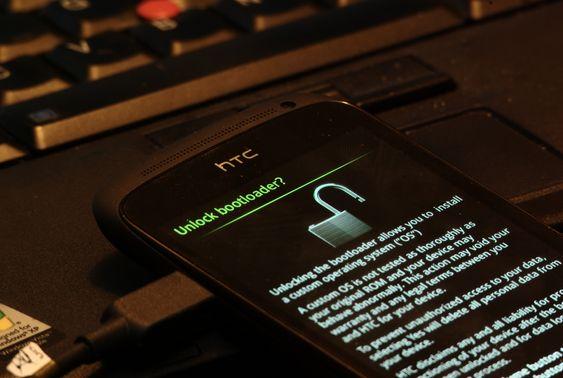 Det er enkelt å åpne bootloaderen i HTC One S.