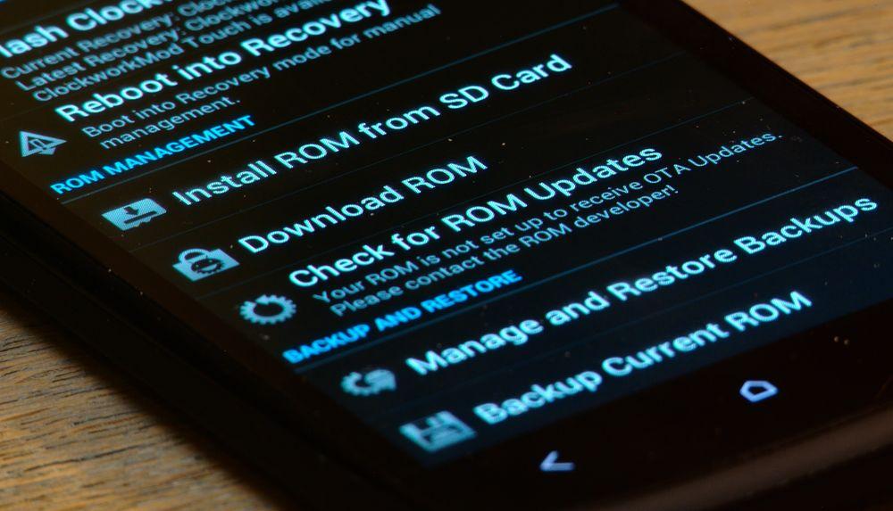 Å installere en ny ROM kan sammenlignes med å installere et nytt operativsystem.