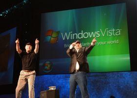Windows Vista ga Microsoft et frynsete rykte. Her blir operativsystemet annonsert i juli 2005.