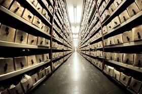 Om SSD-en er en arkivskuff er harddisken mer som en lagerhall.