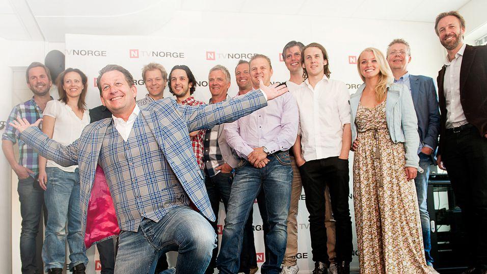 Administrerende direktør og sjefredaktør i TVNorge Harald Strømme, sammen med kanalens underholdningsgjeng i høst.