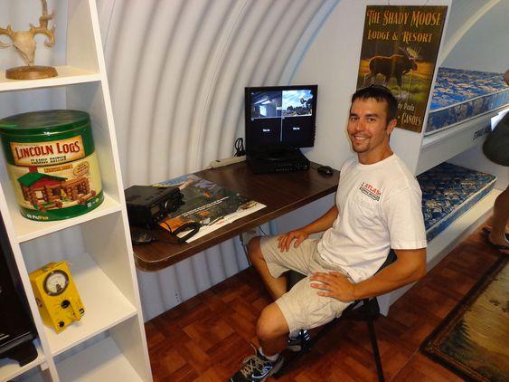 HIGH TECH: Bunkersen har godt med teknologi, og er blant annet utstyrt med overvåkningskameraer.