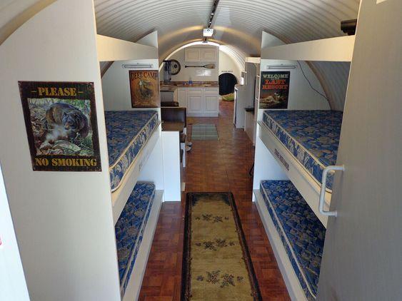 LEVELIG: Tilfluktsrommet er på drøyt 46 kvadratmeter. Ikke ille med tanke på prisen på under en halv million kroner.