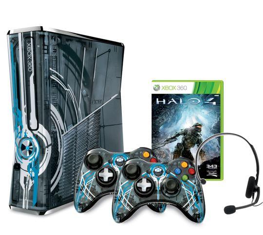 Xbox 360-konsoll med Halo 4-design, matchende kontrollere, headset og spill.
