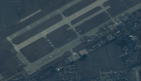 DET FØRSTE BILDET: Dette bilder er tatt 25. desember 2012, og er bildet som fikk ryktene til å rulle rundt Kinas nye krigsfly. To dager senere bekreftet Kina at flyet eksisterer.