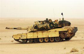 TAKTISK: En kampklar M1A1 Abrams stridsvogn har blitt lastet i en C-17 og sluppet ut rett i strid.