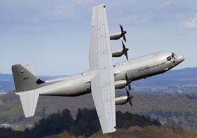 HERCULES: Lockheed Martin-produserte C-130 Hercules er det norske forsvarets primære transportfly. Når det trengs, kan også Norge benytte seg av det vesentlig kraftigere Boeing C-17 Globemaster 3.