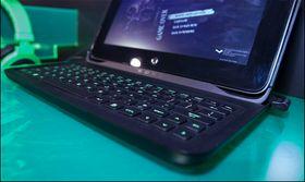 Som alt av Razerprodukter lyste tastaturet opp med grønt lys.