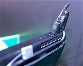 Razer har vært sparsommelige når det kommer til utganger. På toppen er det en USB- og lyd-utgang, men du kan også koble til strøm og HDMI.