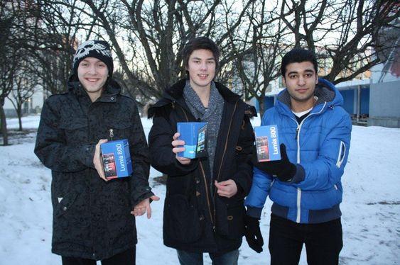 Disse vant hver sin Nokia Lumia 800 for beste app-konsept: Emil Søreng, Jan Helge Tufthaug og Mohammad Tahir Nadeem.