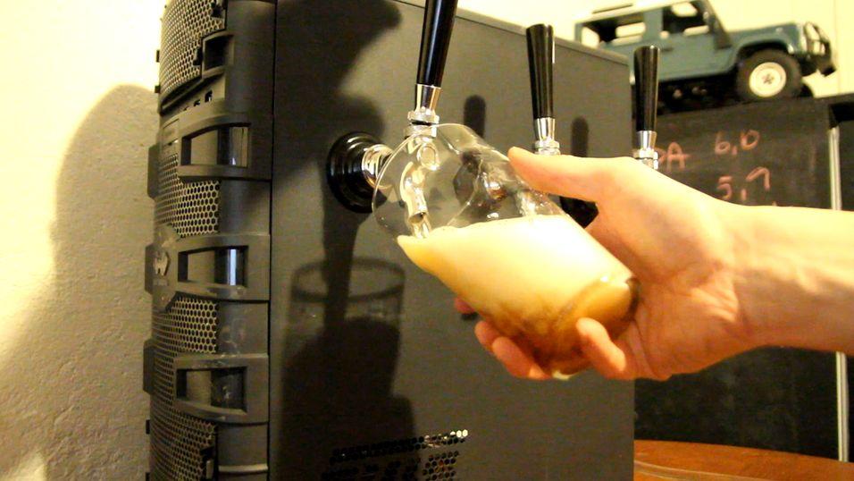 GUIDE: Slik forvandlet vi kabinettet til et øl-tårn