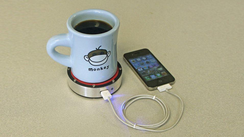 onE Puck bruker en stirlingmotor for å lade opp mobilen.