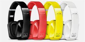 Nokia BH-940 fås i fire ulike farger.