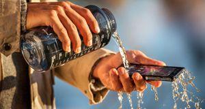 Suksess for vanttette telefoner i sommer