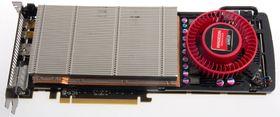 Under panseret på Radeon HD 7950.