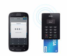 Kortleseren kobler seg til mobiltelefonen trådløst via Bluetooth.
