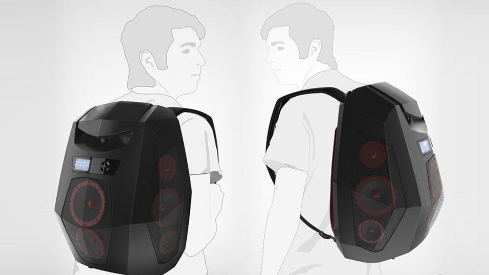 Tiden der du bar stereoanlegget på skulderen er for lengst forbi. Nå skal du bære anlegget som en ryggsekk i stedet.