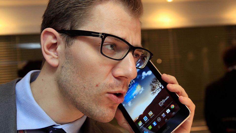 SNIKTITT: Se, en giganttelefon!