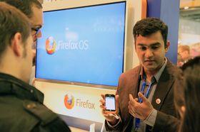 Det var stor interesse for Firefox OS blant de besøkende på messen.
