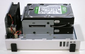 Med RAID 1 vil det være identisk innhold på de to harddiskene.