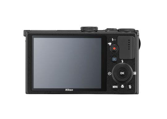 """P330 har en 3"""" stor LCD og har en oppløsning på 920.000 punkter."""