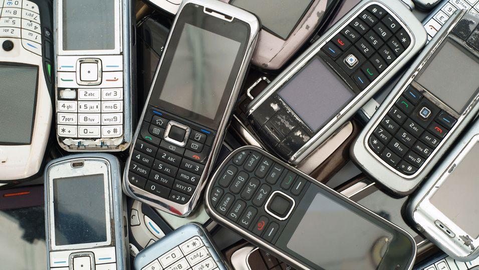 Millioner av mobiler ligger ubrukt i skuffer og skap