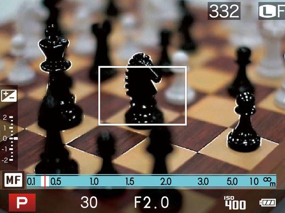 Fokus peaking i X20. De lyse rendene rundt motivet viser hvor fokusplanet er.