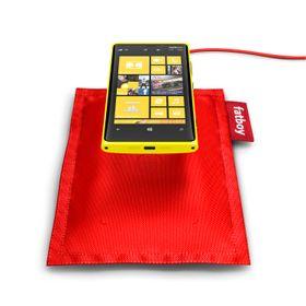 """Nokia leverer """"ladeputer"""" for trådløs lading av enkelte av sine Lumia-modeller. Disse er basert på Qi-ladestandarden fra Wireless Power Consortium."""