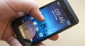 Blackberrys flaggskip Blackberry 10 har fått gode kritikker, men salget har hittil vært skuffende for den tidligere storheten.