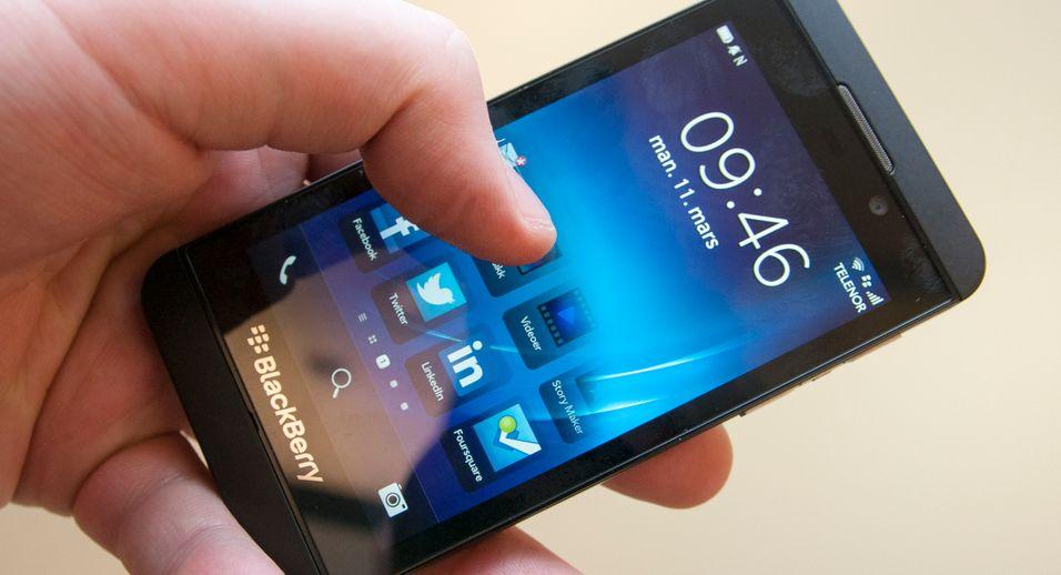 BlackBerry Z10 har et helt nytt operativsystem. Alt gjøres ved hjelp av fingersveip.